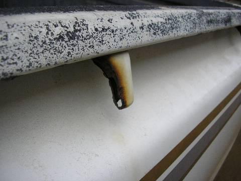 rost schmutz in angola auch affen und voegel sind im maschinenshop. Black Bedroom Furniture Sets. Home Design Ideas